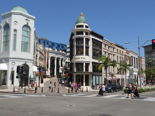 Rodeo Drive, Beverly Hills, California | by Ken Lund