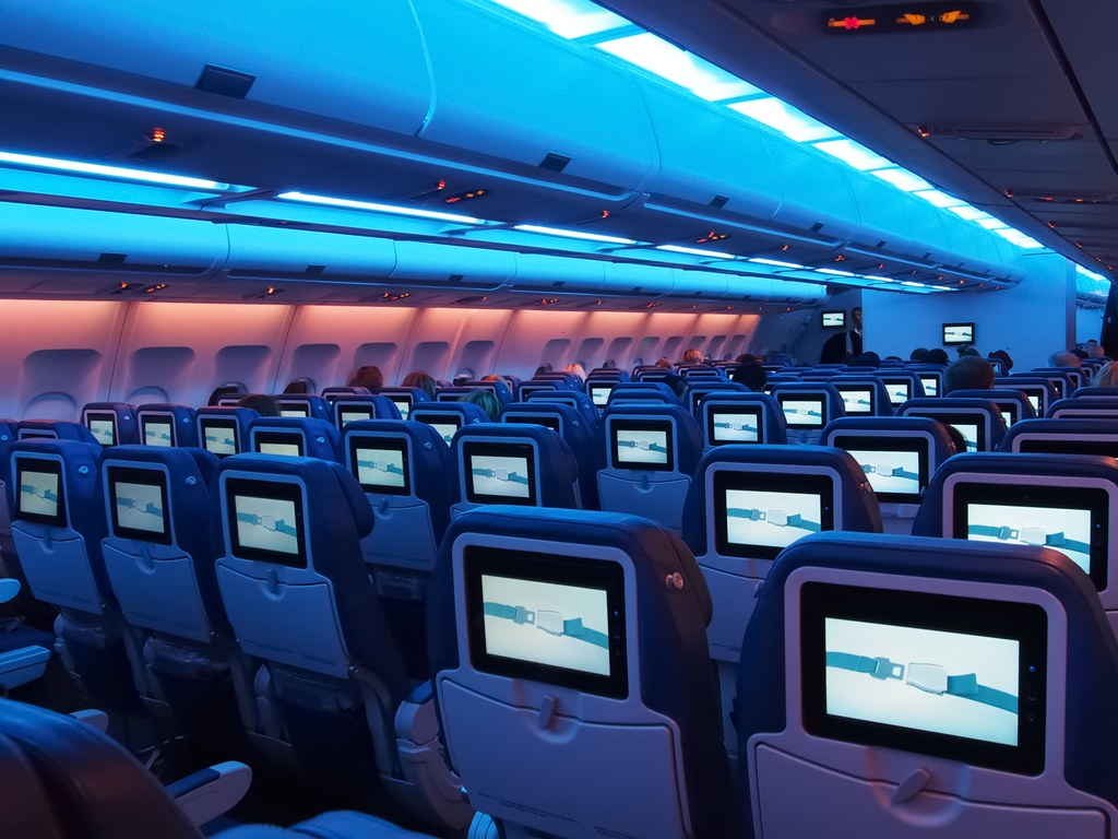 50 Load Factor Airbus A330 300 Middle Cabin Air Trans Flickr