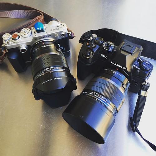 兩機兩鏡不用換,剛剛好。 #em1ii #olympus #penf #25mmf12