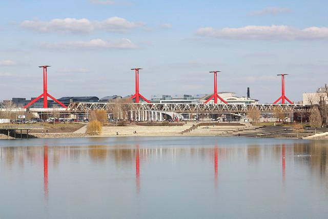 Reflection of the Rákóczi bridge viewed from the Kopaszi gát (dam)