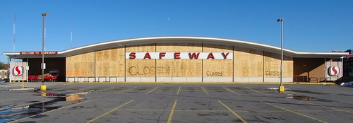 Abandoned Safeway store [01] | by SchuminWeb