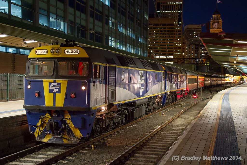 HL203-FL220 with 6L65 empty pass special to Thirlmere at Central Railway Station in Sydney (28/6/2014) by Bradley Matthews