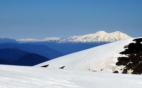 andes chile chilecentral regióndelaaraucanía regióndelosríos volcánvillarrica parquenacional parquenacionalvillarrica randonné ski skitour invierno volcánchoshuenco volcánpuyehue