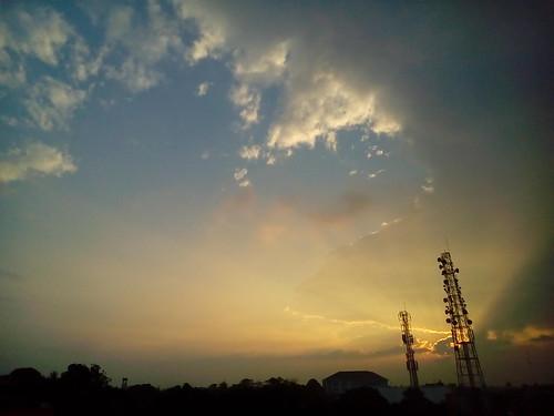 sky rol light sunset sun cloud silhouette building buddhasrays lentengagung jakarta southjakarta indonesia asusz00sd