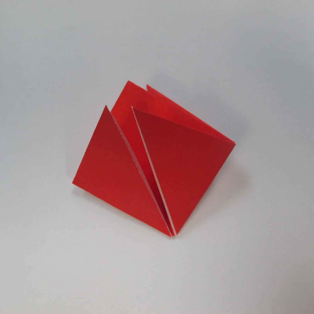 วิธีการพับกระดาษเป็นดาวหกแฉกแบบโมดูล่า 006