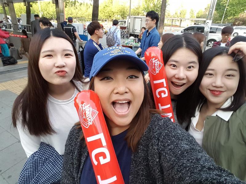 Nguyen, Anna; South Korea - Episode 13