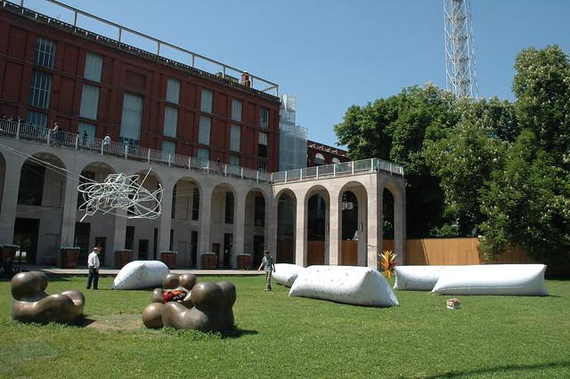 2009 - Noi siamo qui, a cura di Gabi Scardi, triennale, Milano