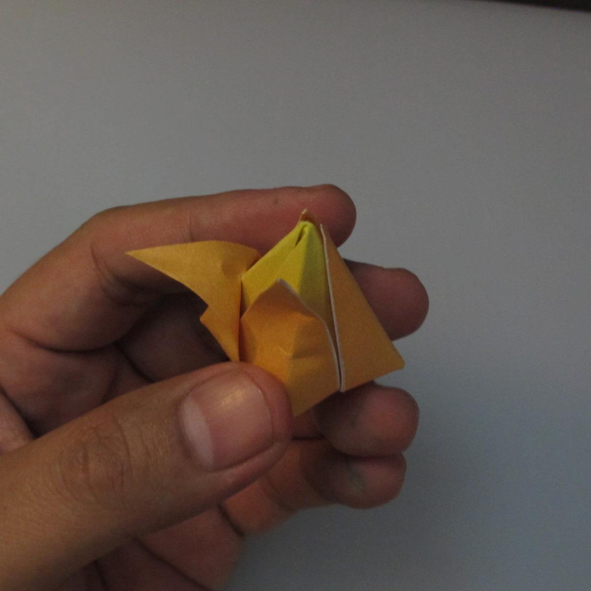 วิธีพับกระดาษเป็นดอกทิวลิป 018