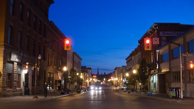 Hunter St., night