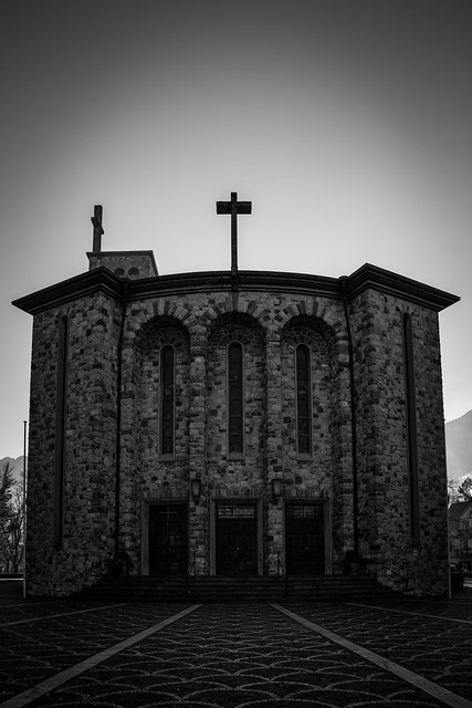 Hl. Kreuz Kirche