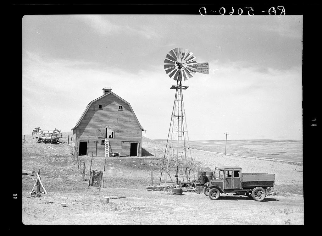 Barren farm in Dust Bowl | 1936. Great Depression - public d… | Flickr