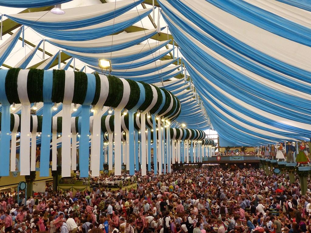 Rezultat iskanja slik za Oktoberfest München