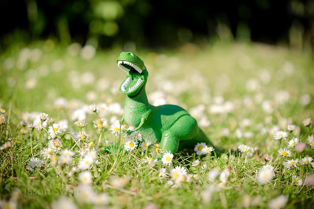 I am Dinosaur, hear my mighty roar!
