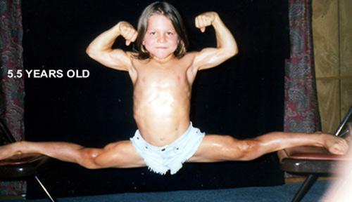 """Była nazywany """"małym Herkulesem"""". Jak potoczyło się dalej życie niezwykle zbudowanego dzieciaka?"""