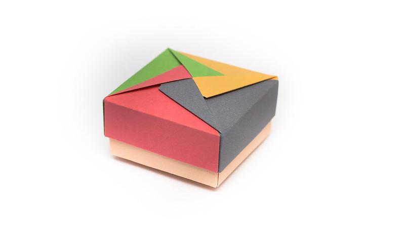 วิธีพับกล่องของขวัญแบบโมดูล่า (Modular Origami Decorative Box) โดย Tomoko Fuse -f03