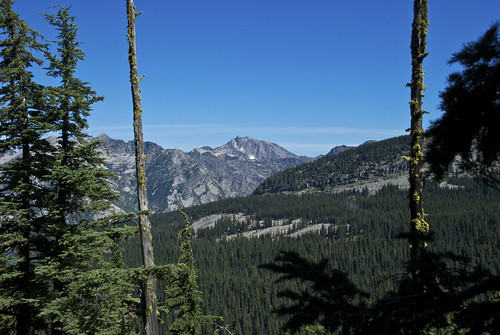 Engle Lake basin trail 932 | by Montucky