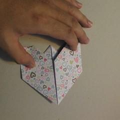 วิธีการพับกระดาษเป็นรูปหัวใจ 012