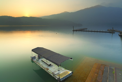 morning sun moon lake reflection nature sunrise canon landscape dawn taiwan 南投 getty 台灣 風景 hy gettyimages bai 日月潭 sunmoonlake nantou 日出 倒影 魚池 朝霧碼頭 晨 風景攝影 yuchih fave50 chaowuwharf hybai
