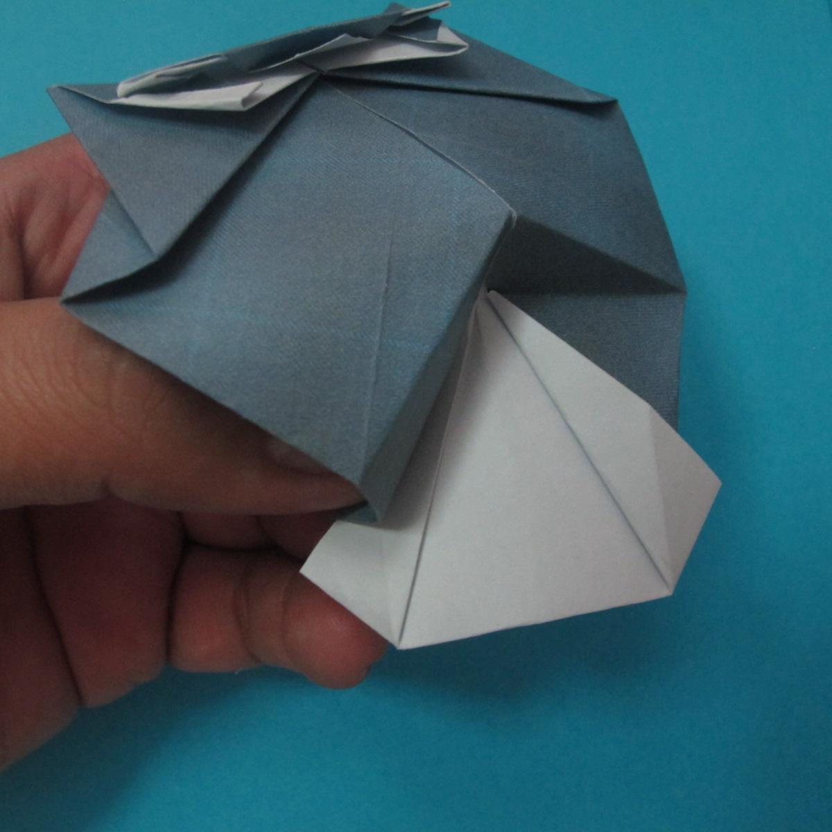 วิธีการพับกระดาษเป็นรูปนกเค้าแมว 030