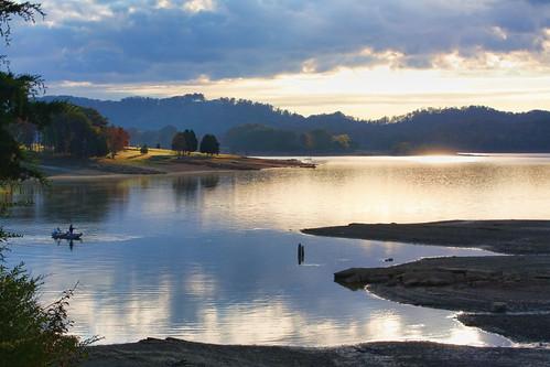 autumn lake fall tennessee cherokeelake graingercounty
