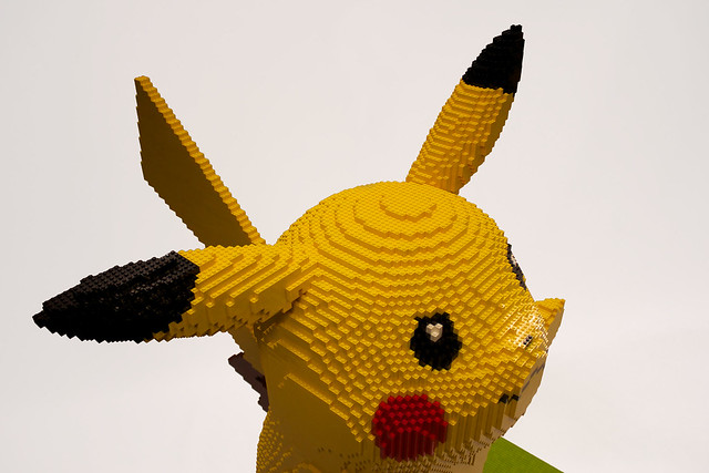 LEGO Pikachu ( face right )