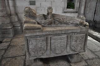 Lisboa (Portugal). Catedral. Capilla de Santa Teresa. Sarcófago de infanta portuguesa, siglo XVI