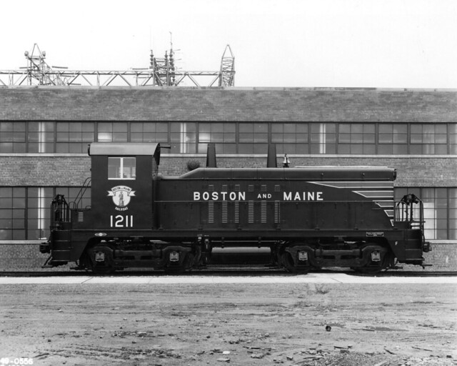 Right side view of B&M NW2 No. 1211 (Class DS-4-c) at LaGrange, Ill., Jan. 1949