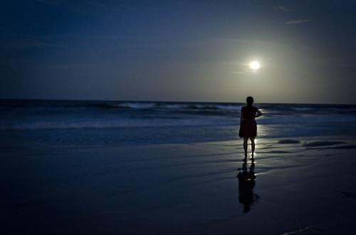 moon ocean water supermoon silhouette beach shadow
