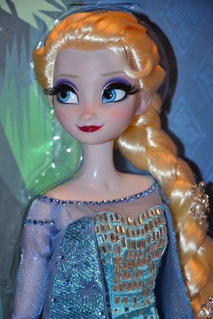 Elsa Limited Edition Doll 1625 / 2500