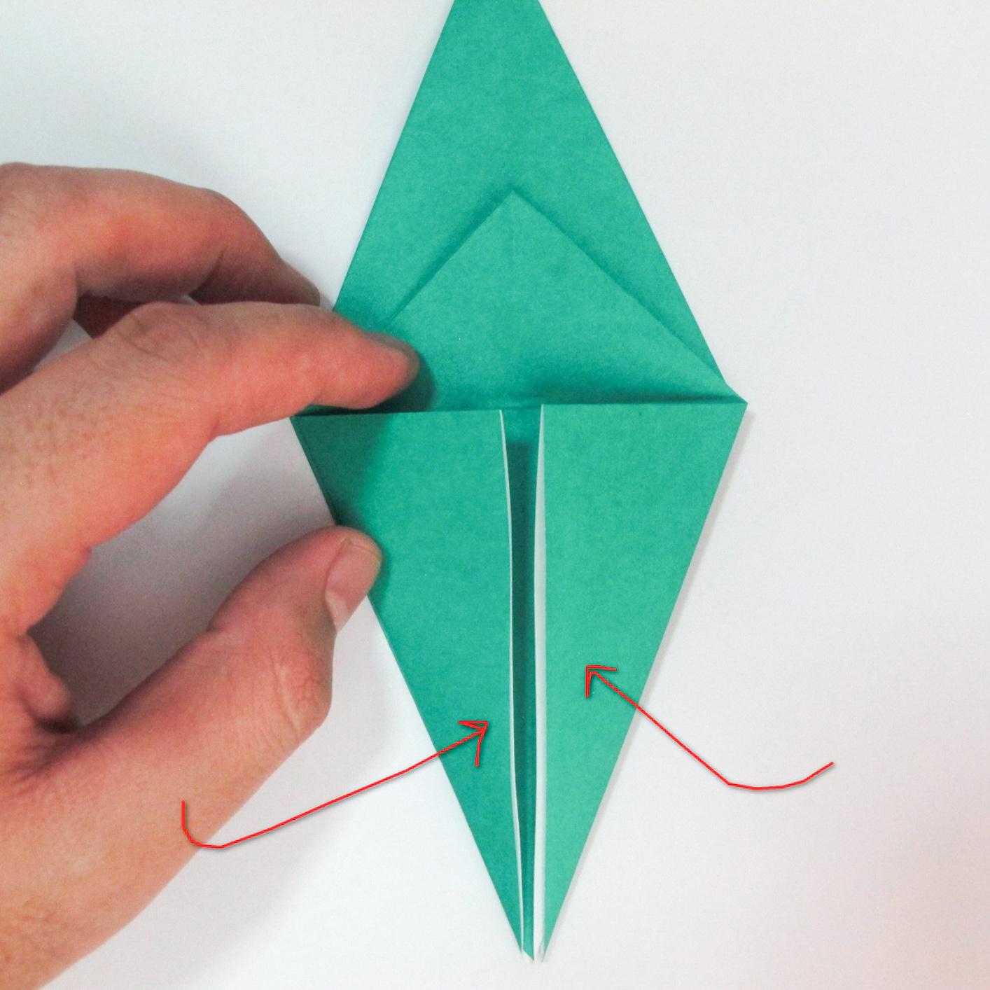 สอนวิธีการพับกระดาษเป็นรูปปลาฉลาม (Origami Shark) 013