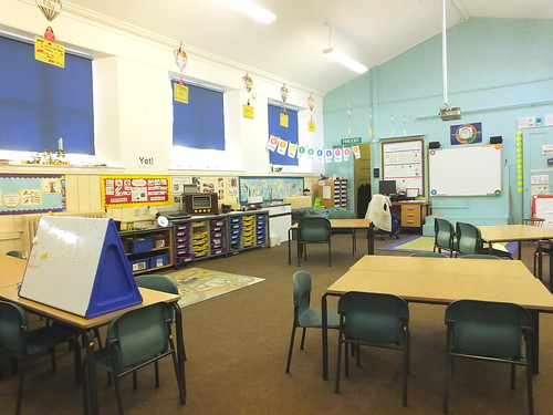 School Classroom With Equipment - Creative Commons Attribution Only | by educators.co.uk