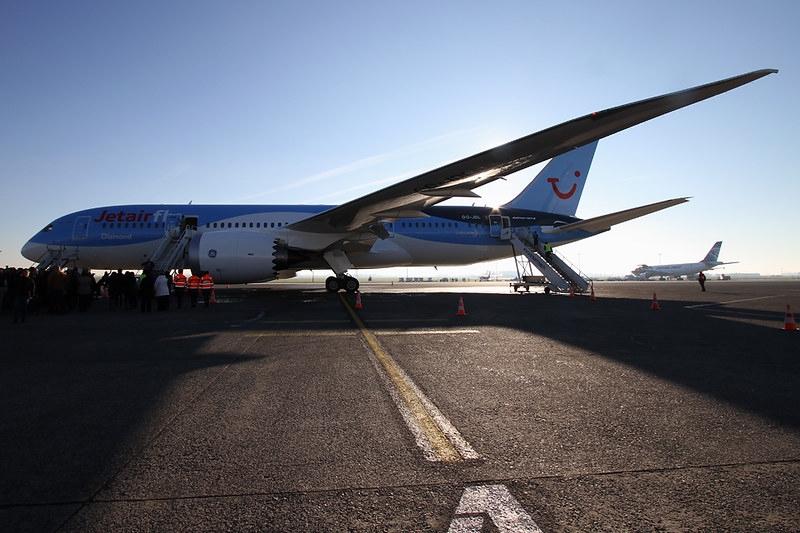 Boeing 787-8 Dreamliner – Jetairfly (TUI Airlines Belgium) – OO-JDL – Ostend (OST EBOS) – 2013 12 10 – Parked – 06 – Copyright © 2013 Ivan Coninx Photography