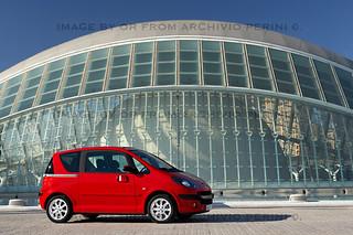 Peugeot-1007-1