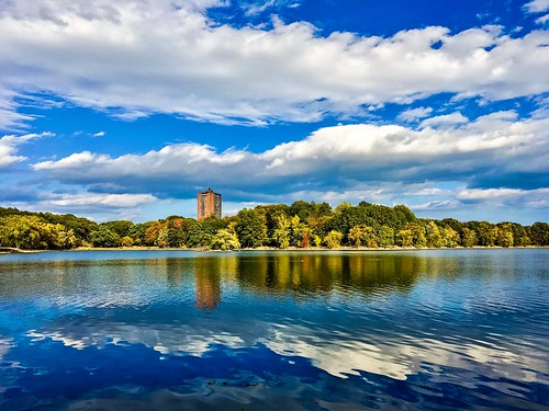 blue autumn symmetry water lake pw boston trees pond reflection clouds jamaicaplain fall jamaicapond reflections tree emeraldnecklace seasonal foliage massachusetts seasons newengland throughherlens