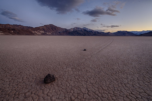 Devil's Racetrack, Death Valley National Park, California | by Desires Photo