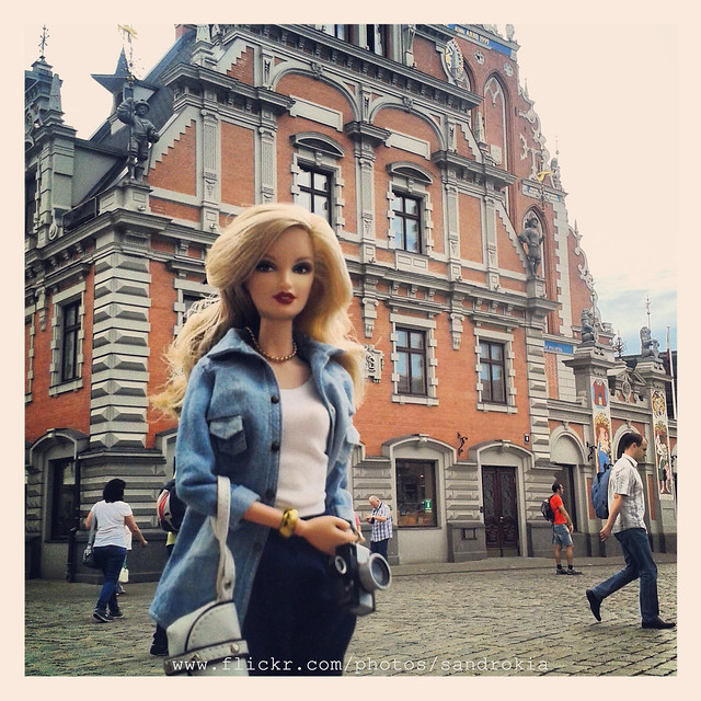 Barbie & Instagram. Melngalvju nams (House of Blackheads). Riga.