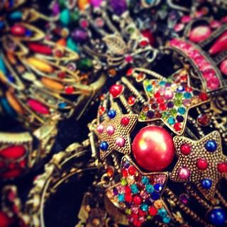 Traditional jewellery #tunis #tunisia #tunisie #iphone5 #instagood #instacool #instamood #instanice #instasfax #instatunis #iphoneonly #instatunisie #instagramtunisie #instatunisie #jewellery#traditional#color#الوان#تونس #صفاقس #حمامات#جواهر#مجوهرات#