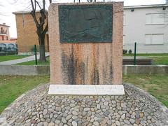 monumento alla pace, scultore Leonardo Lucchi, Anguillara Veneta