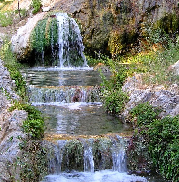 Cascada Piscinas Termales 01