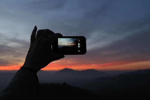 sunset silhouette iphone paulknight quixoteimagescom sequioavista kingscanyonoverook picturetakingonaphone