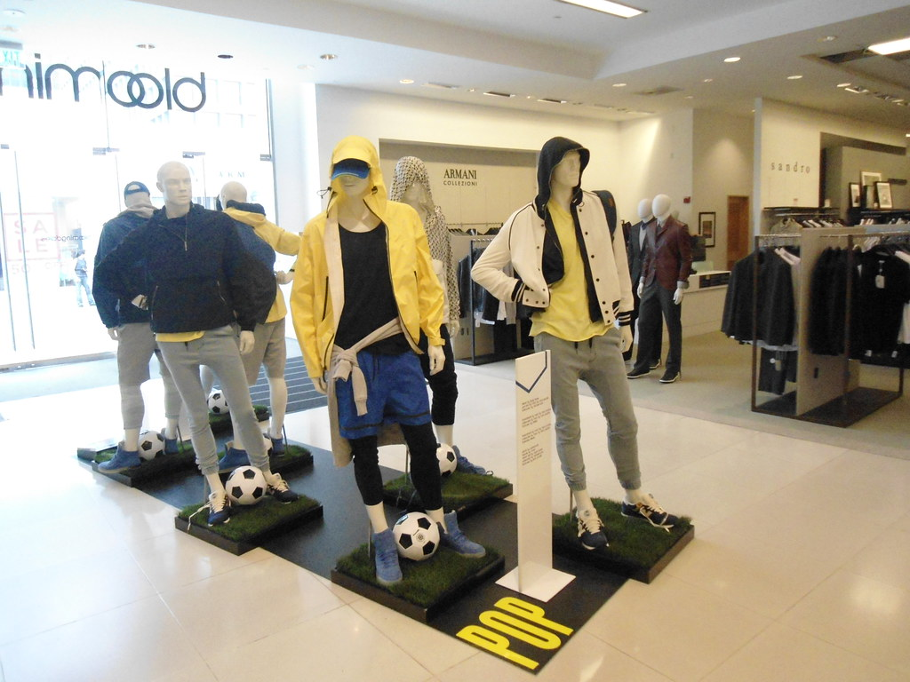 ever popular save up to 80% new york Bloomingdales Century City mens sportswear display, West L ...