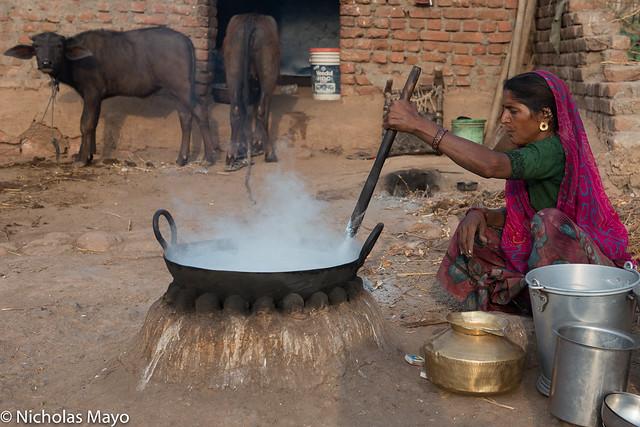 Bharwad Women Making Mawa