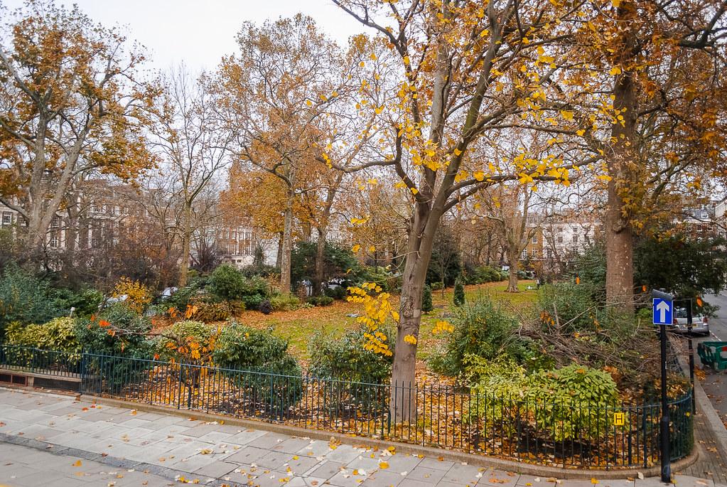 Wonderful city park! :-) 14:54:53 DSC_1596