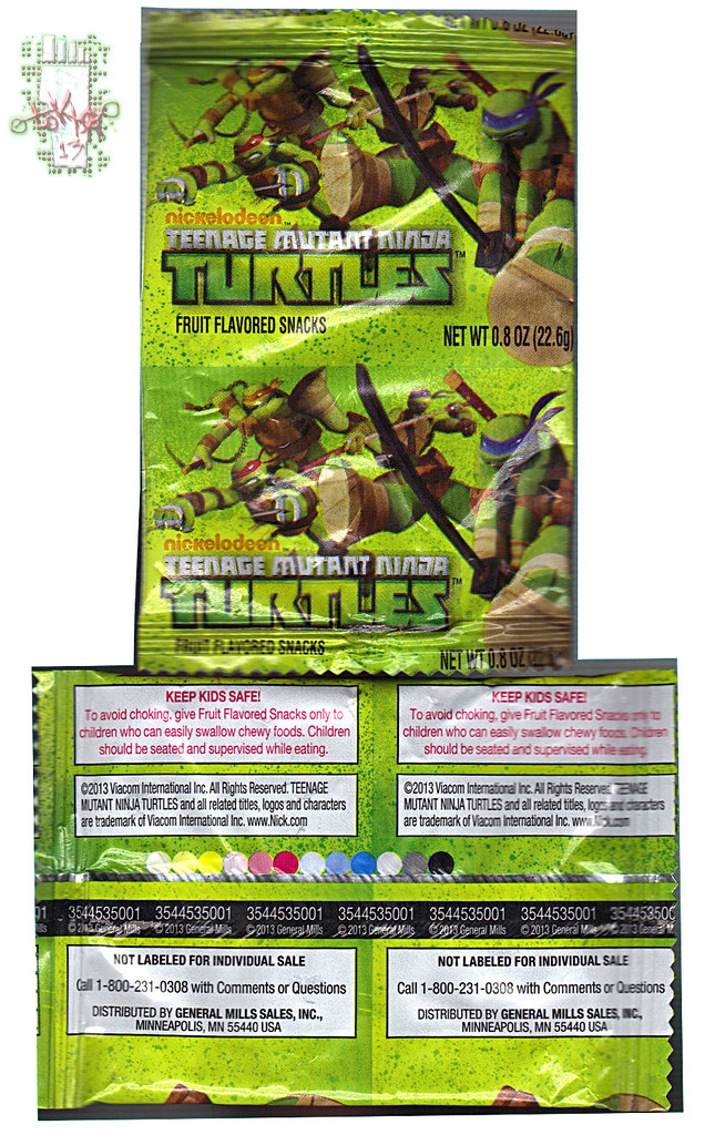 "BETTY CROCKER :: ""Nickelodeon TEENAGE MUTANT NINJA TURTLES"" Fruit Flavored Snacks iii // ..pouch  (( 2013 )) by tOkKa"
