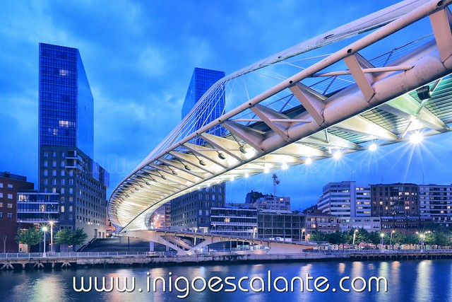 Entrada del blog: Pasarela de Zubizuri de Calatrava en Bilbao
