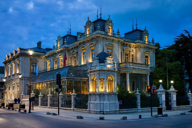 Palacio Sara Braun (retouched), Punta Arenas, Magallanes y Antartica Chilena, Patagonia, Chile - DSC00495