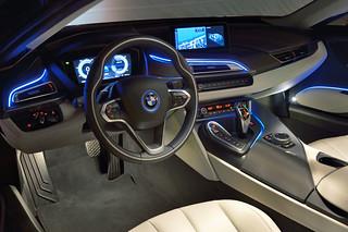 BMW-2014-i8-Int-09