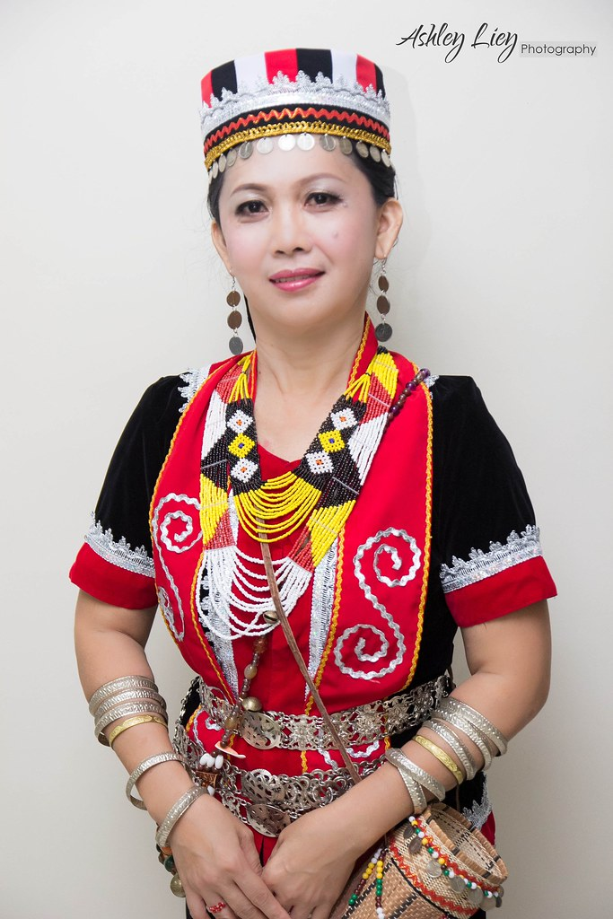 Bidayuh Costume My Mum In Bidayuh Costume Ashley Liey Flickr