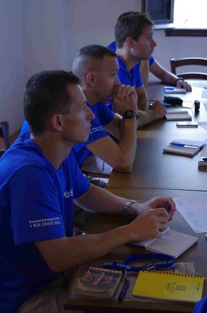 CAVES 2011 Preparatory training Day2 class - copyright ESA-Vittorio Crobu05