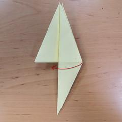 วิธีพับกระดาษเป็นดอกกุหลายแบบเกลียว 016